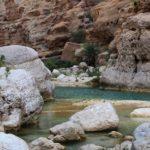 kuvituskuva, vettä ja kalliota