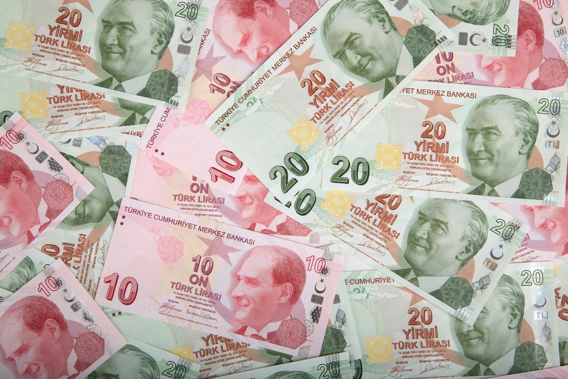 kuvituskuva, turkkilaisia seteleitä joissa Atatürkin kuva