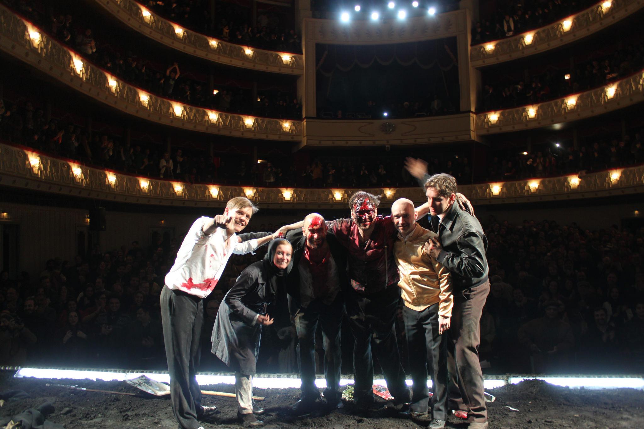 Hamletin esityksestä Teheranissa /