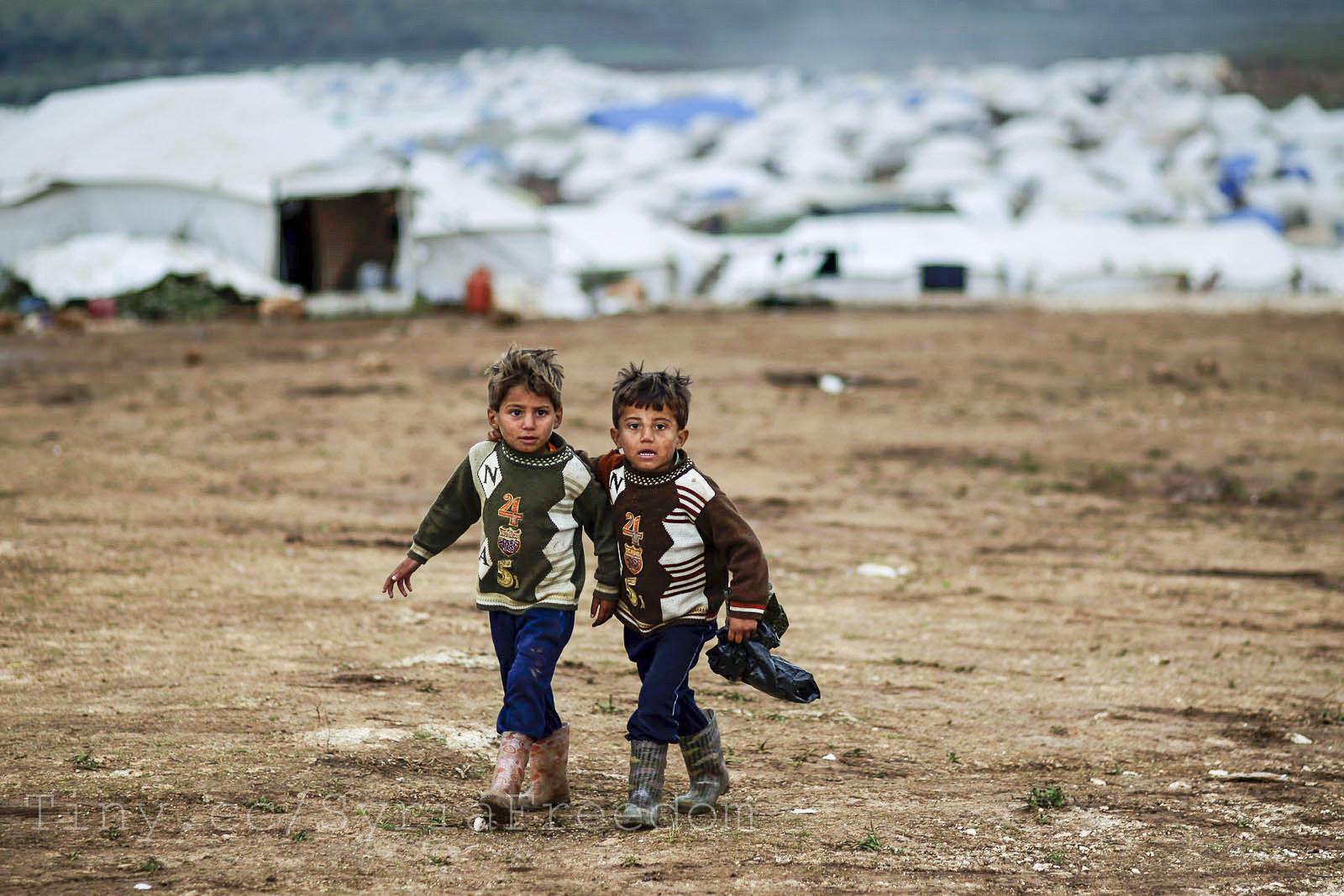 pakolaislapsia