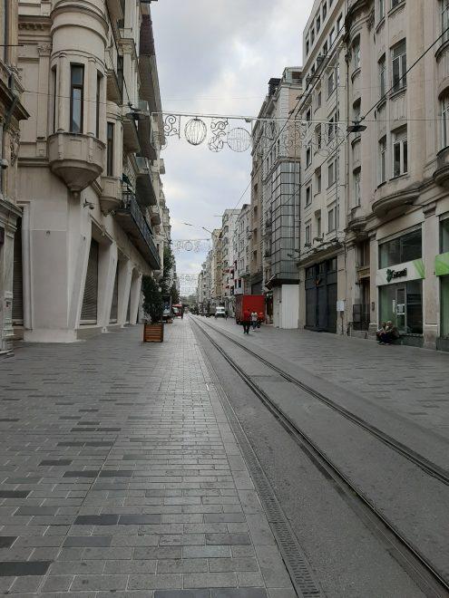 Tyhjä katu Istanbulissa